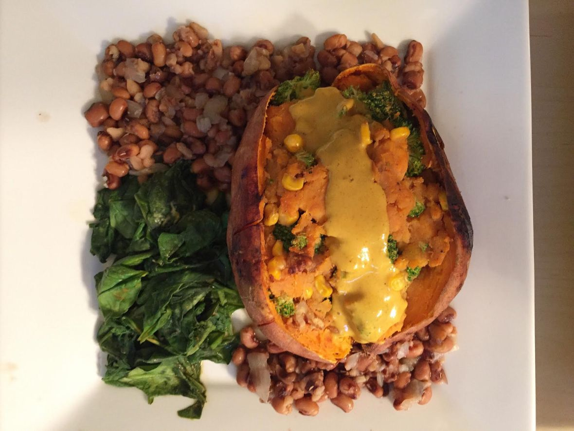 stuffed-sweet-potatoesnutritional-yeast-cheese-sauceslow-cooker-black-eye-peas