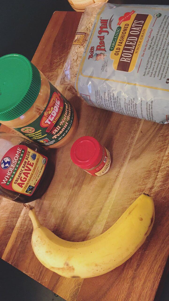 Peanut Butter & Banana Energy Bites Ingredients